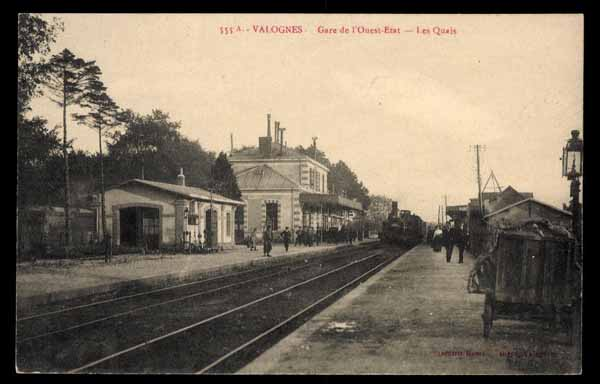 FRANCE, Valognes gare, railway station, steam train à vapeur, animé (78)